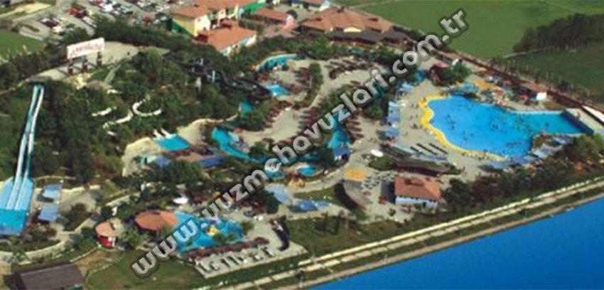 Mavi Su Aqualand Yüzme Havuzu