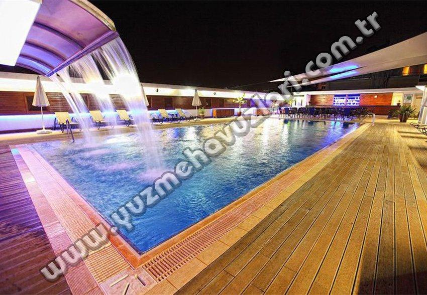 Sürmeli Otel Yüzme Havuzu